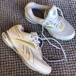🐰 Reebox Easy Tone Sneakers